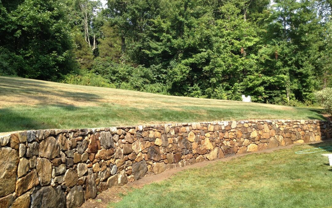 Wallingford, CT | Stone Wall Contractors | Retaining Wall Builder Near Me | Stone Block Walls