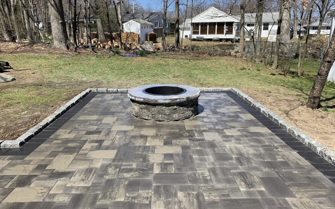 Naugatuck, CT | Paver Patio Contractor | Patio & Walkway Construction | Interlocking Pavers Near Me